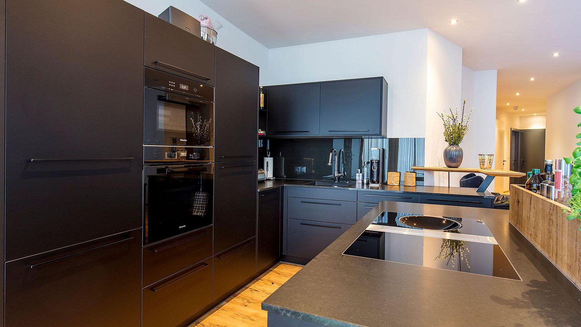 Niedlich Fliesen Farbe Für Die Küche Nach Vastu Fotos - Ideen Für ...
