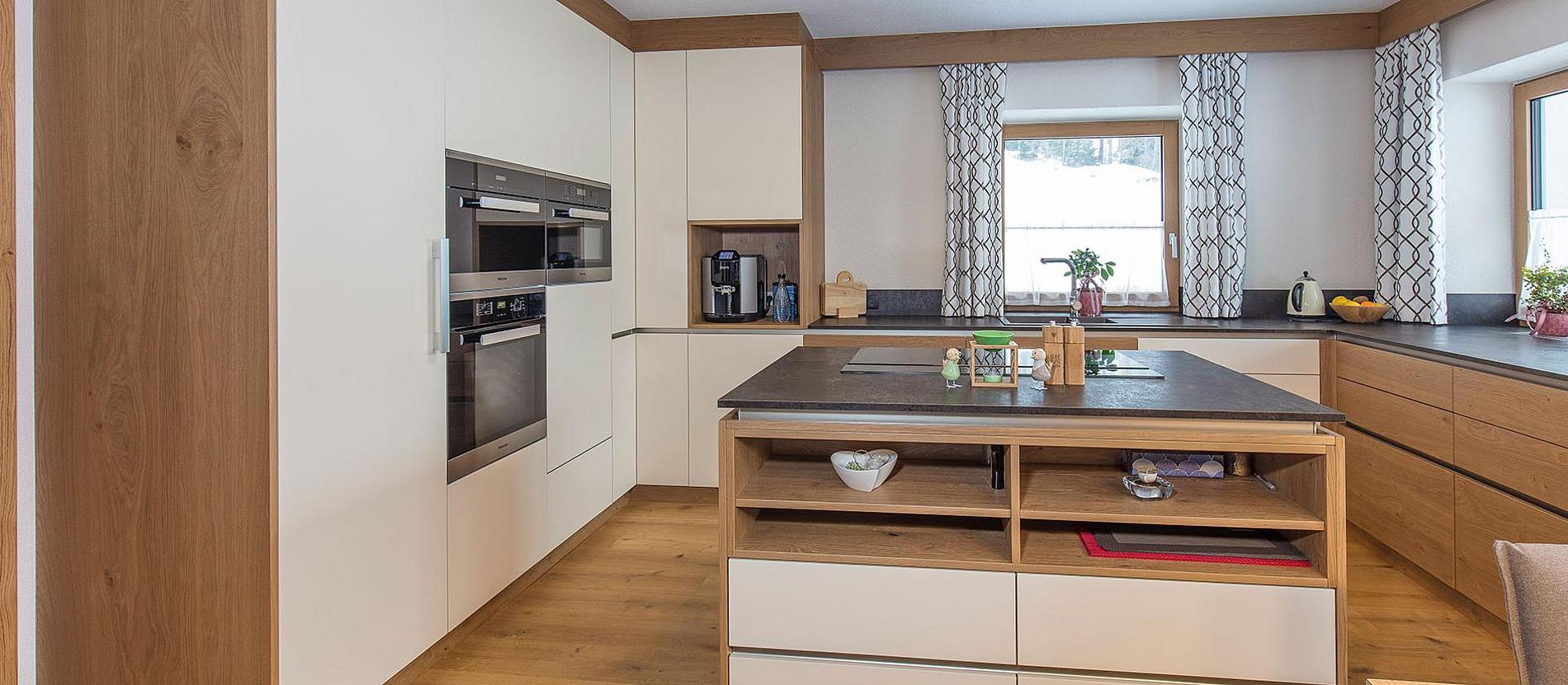 ihr tischler im tztal schlafzimmer wohnzimmer zirbenm bel tischlerei klotz qualit t. Black Bedroom Furniture Sets. Home Design Ideas